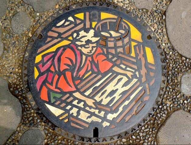 Japanese-manhole-cover-art-12