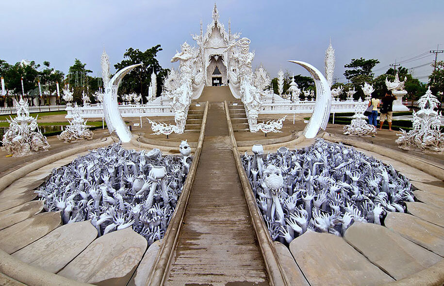 white-temple-wat-rong-khun-buddhist-thailand-architecture-12