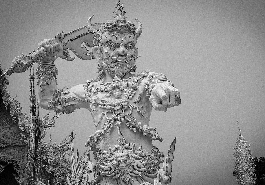 white-temple-wat-rong-khun-buddhist-thailand-architecture-19