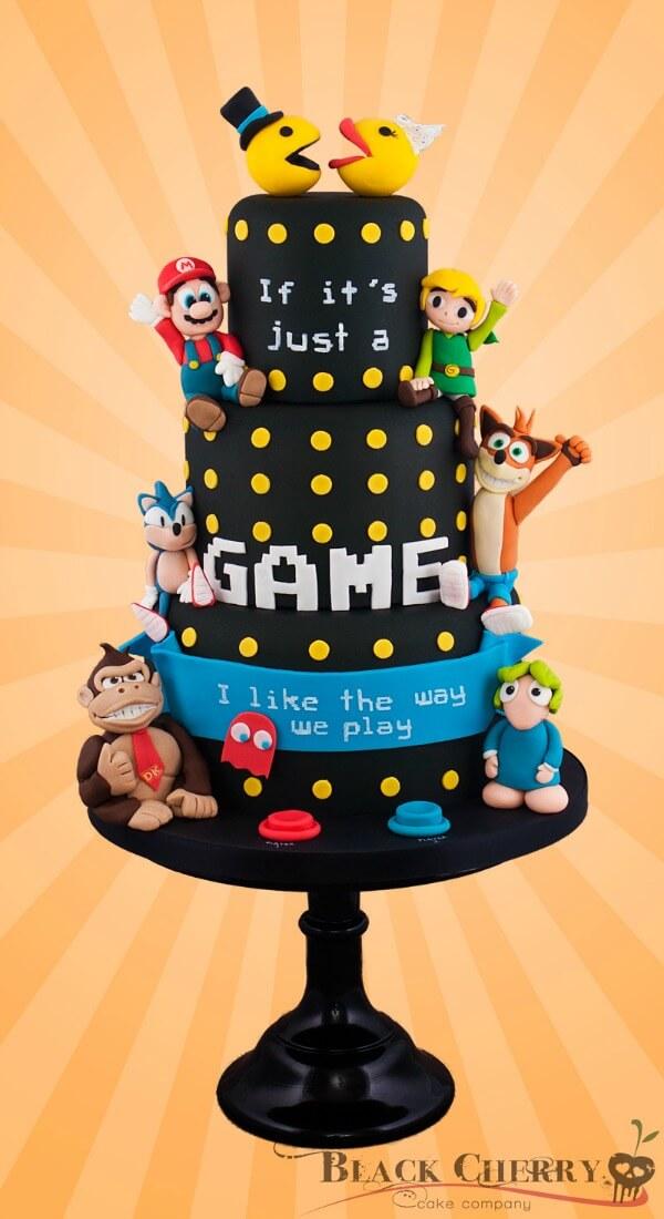 a99245_Retro-Game-Wedding-Cake
